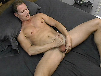 Cub Hottie Early Morning jerk off